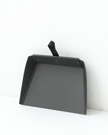 IRIS HANTVERK(イリス・ハントバーク) Borsdskyffel カードボードチリトリ(ブラック)